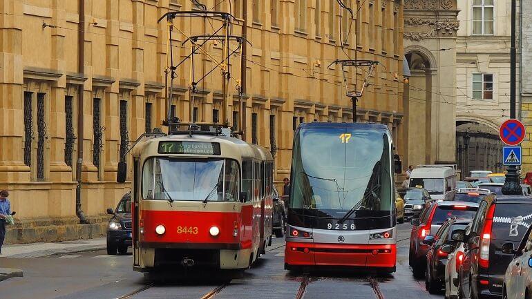 Общественный транспорт в Праге 2021