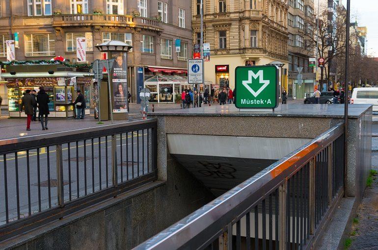 Вход в метро Праги на станции Mustek