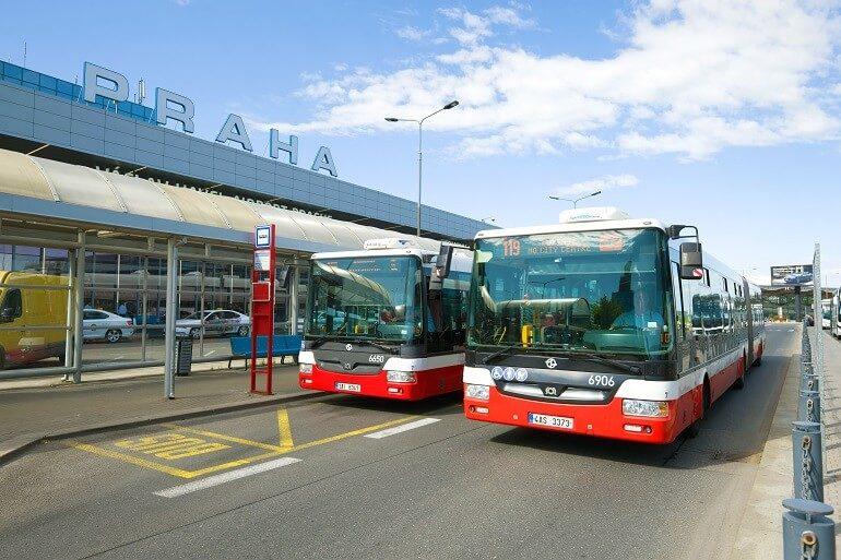 Автобус у аэропорта Праги